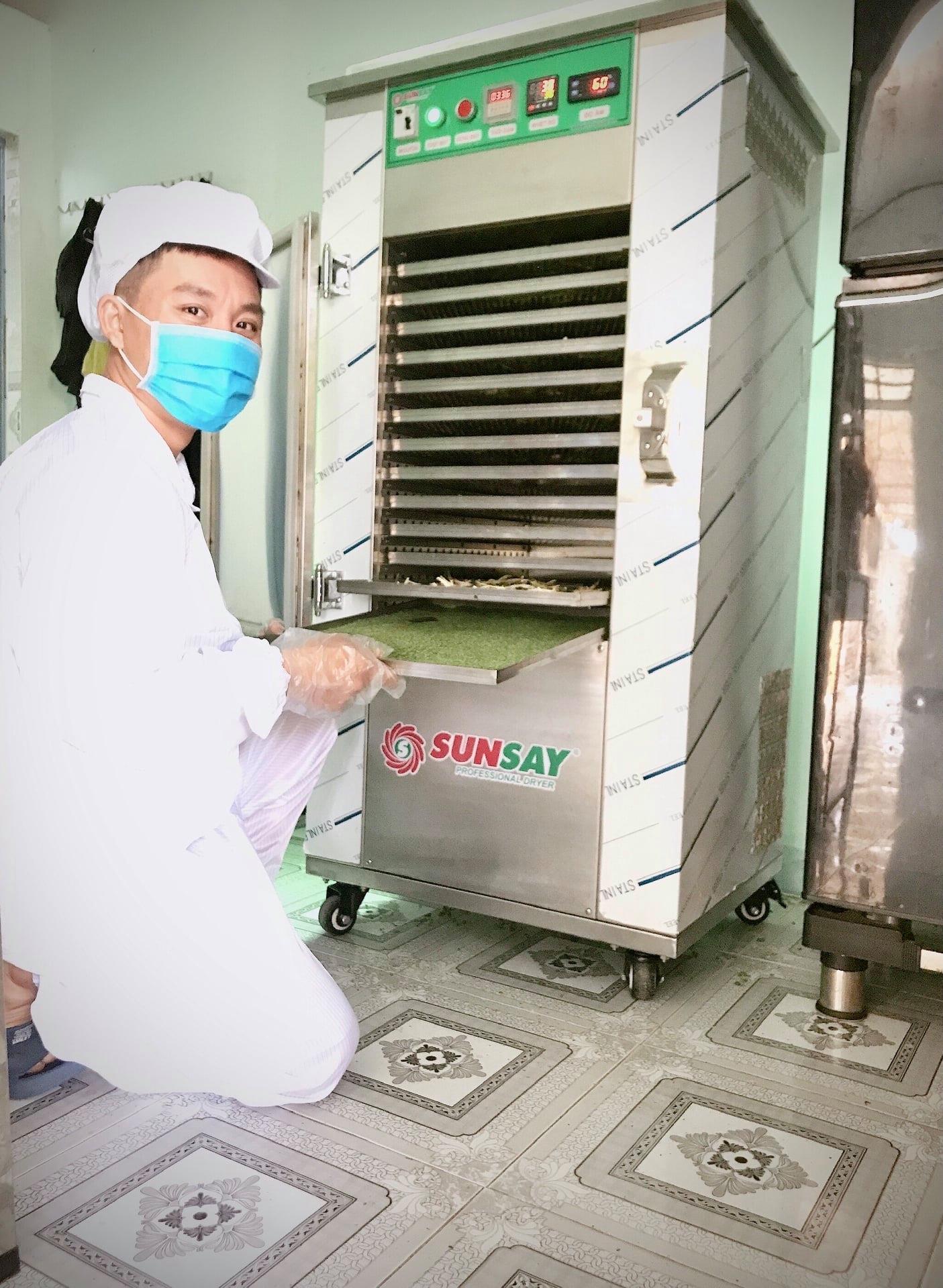 Bột chùm ngây sấy lạnh bằng máy sấy SUNSAY